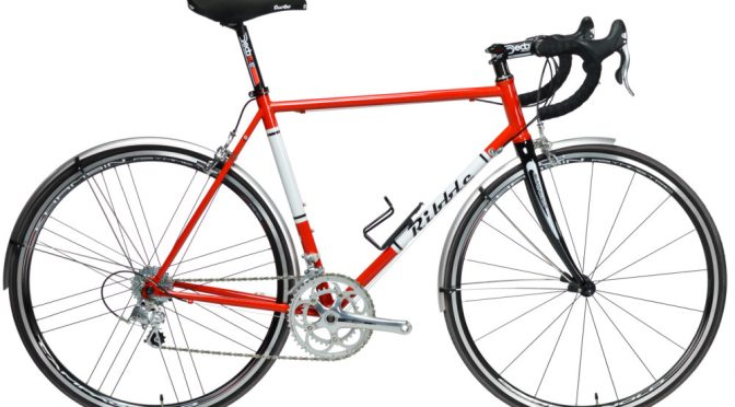 """Review: """"Some bikes just feel good? The 525 is like that."""" The Guardian"""