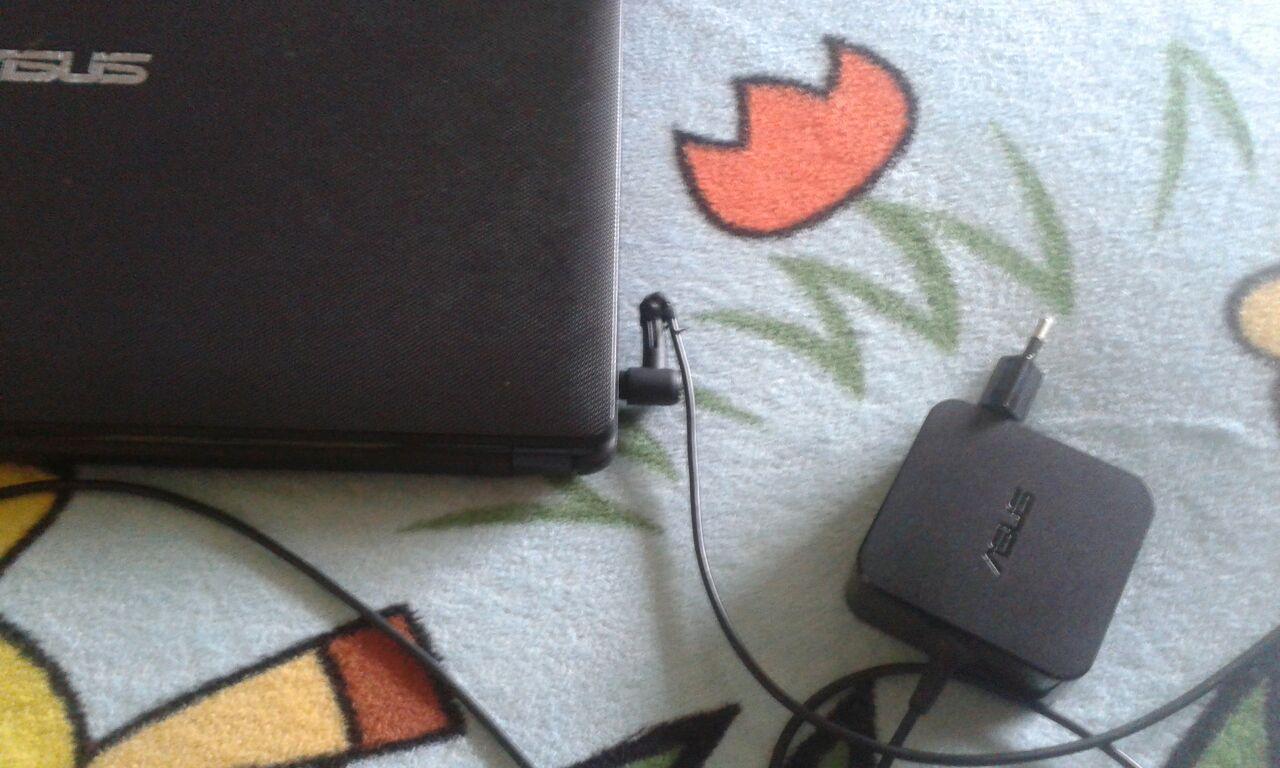 Mengatasi Kabel Charger Laptop Yg Hampir Putus Blog Rivaekaputra Com