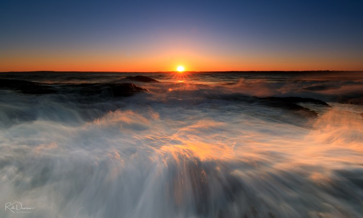 Waves at sunset - Beavertail Lightouse, Rhode Island