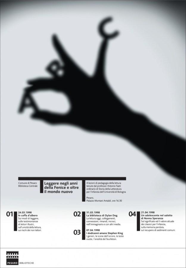 ABC Плакат к циклу лекций о детской литературе в Центральной библиотеке Пезаро. 1998 Соединив простенькую теневую фигуру, показываемую взрослыми детям, с первыми буквами алфавита, Сонноли создал точный образ литературы для детей.