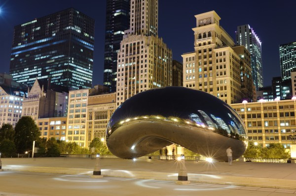 "Chicago ""Bean"" at night"
