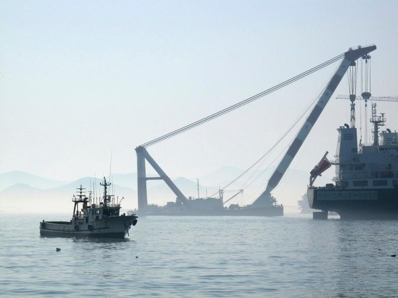 Misty Morning Boats, Tongyeong - Canon G10 (ISO 80)