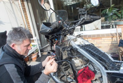 Maintenance on our veranda – shocking noise and a pale looking Sascha