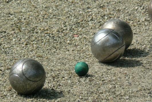 топките и кошонетът
