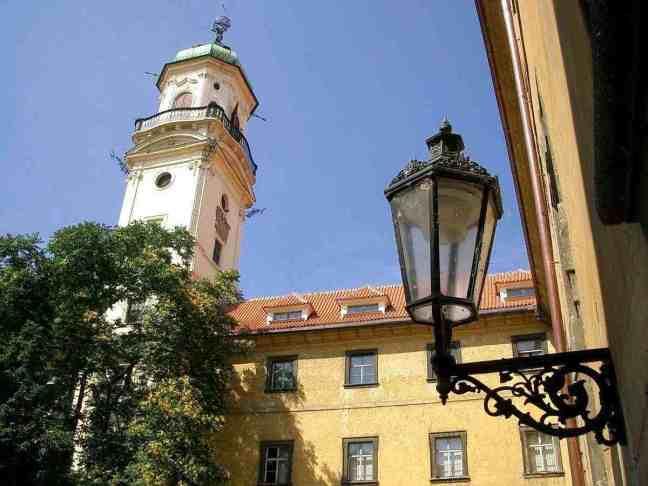 Астрономическата кула в двора на Клементинум
