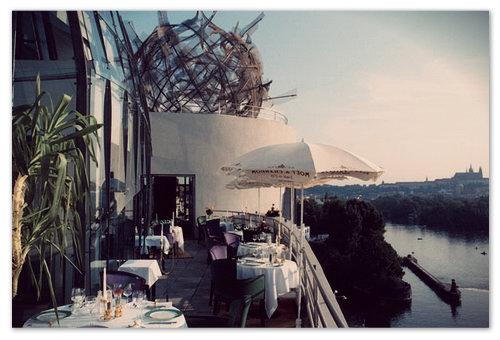 Терасата на френския ресторант