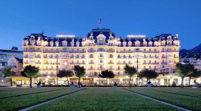 luxury_hotel_fairmont_le_montreux_palace_exterior_01-942