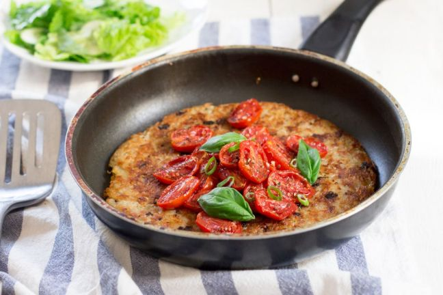 rösti-topped-with-garlicky-tomatoes-1000x666