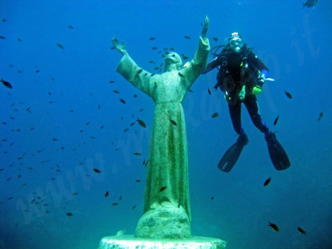 статуя Исус от бездната Портофино
