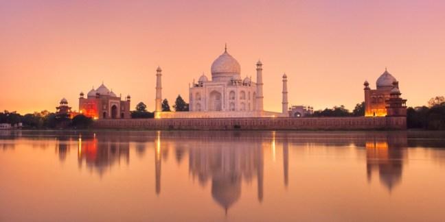 Тадж Махал и джамиите