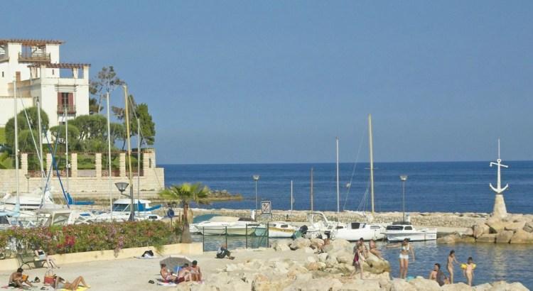 Villa-Kerylos-Beach-feat