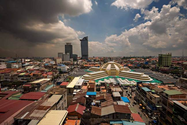central-market-Phsar-Thmei-phnom-penh-cambodia-2