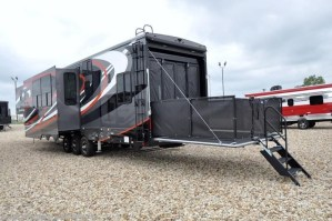 2018 Heartland RV Road Warrior RW427