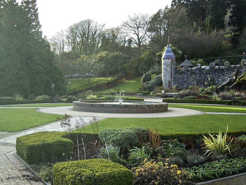 The gardens at Belfast Castle. There are supposedly nine cat references in the garden, but I could only find five.
