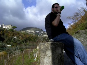 I stop to hydrate on my journey down from Ravello.