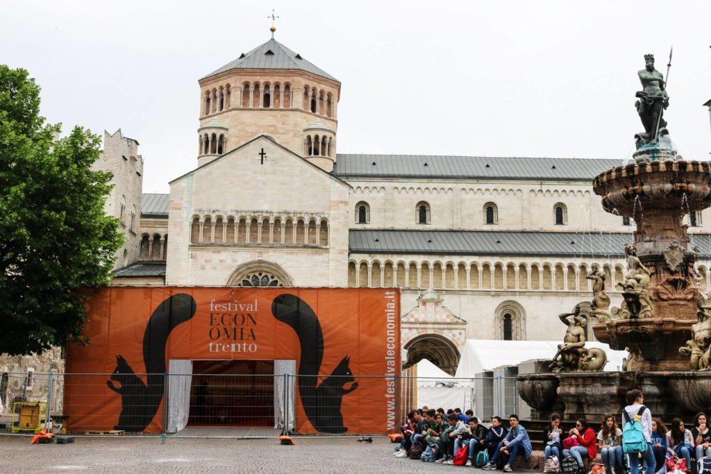 festival-economia-piazza-duomo