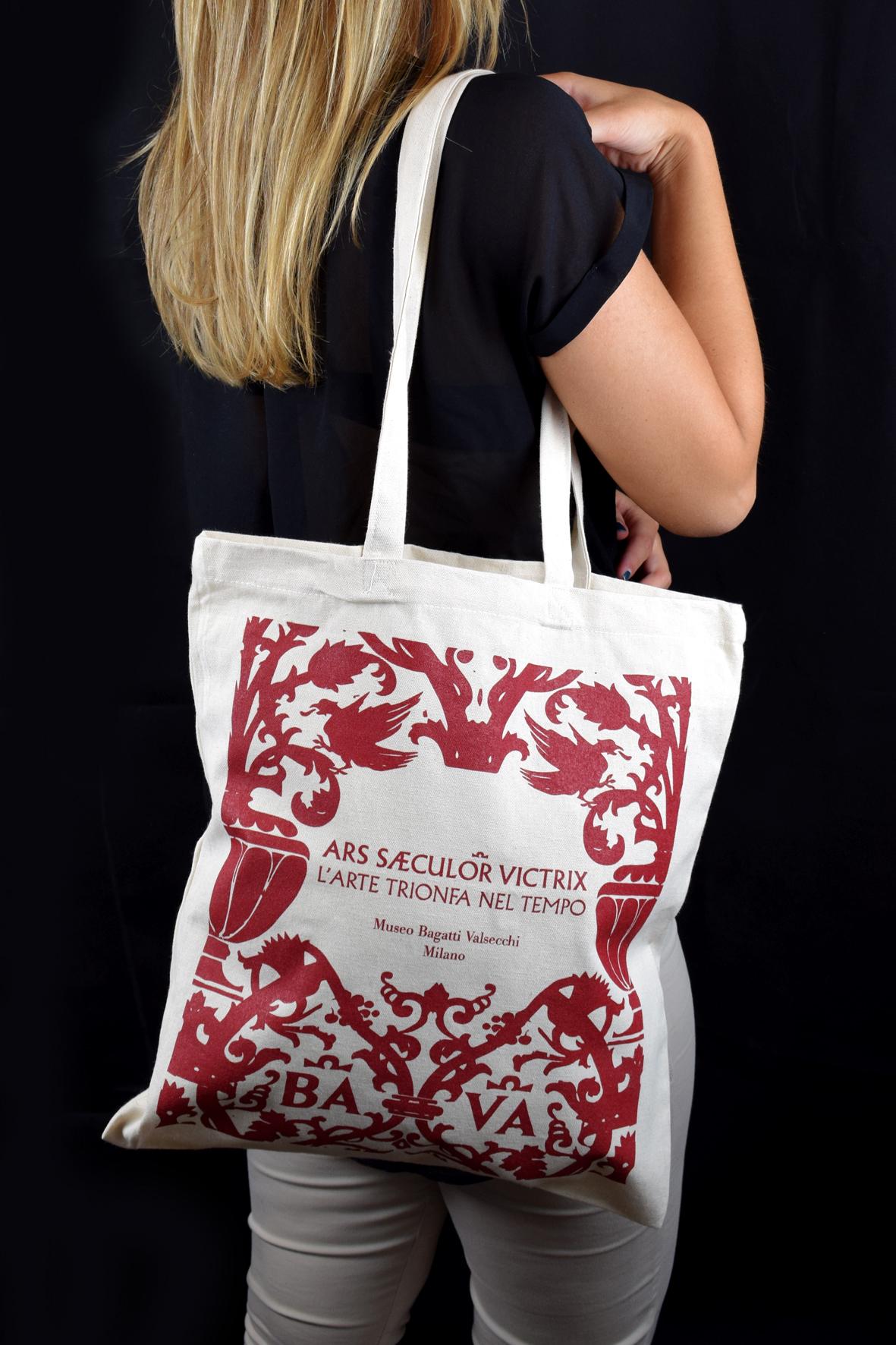 Shopping bag in cotone personalizzata con i motivi presenti all'interno del Museo Bagatti Valsecchi