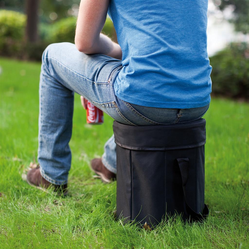 La borsa frigo diventa anche un comodo sgabello