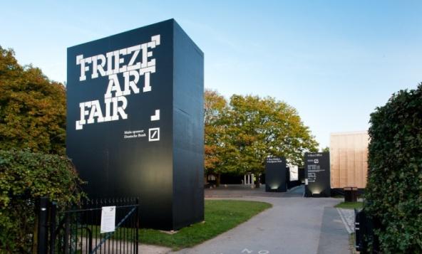 Frieze Art Fair exterior, 2013. Image Credit: http://www.londonbb.com/frieze-art-fair-london/