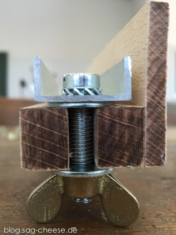Der Aufbau der Schraube mit Scheibe und Zahnscheibe im Detail