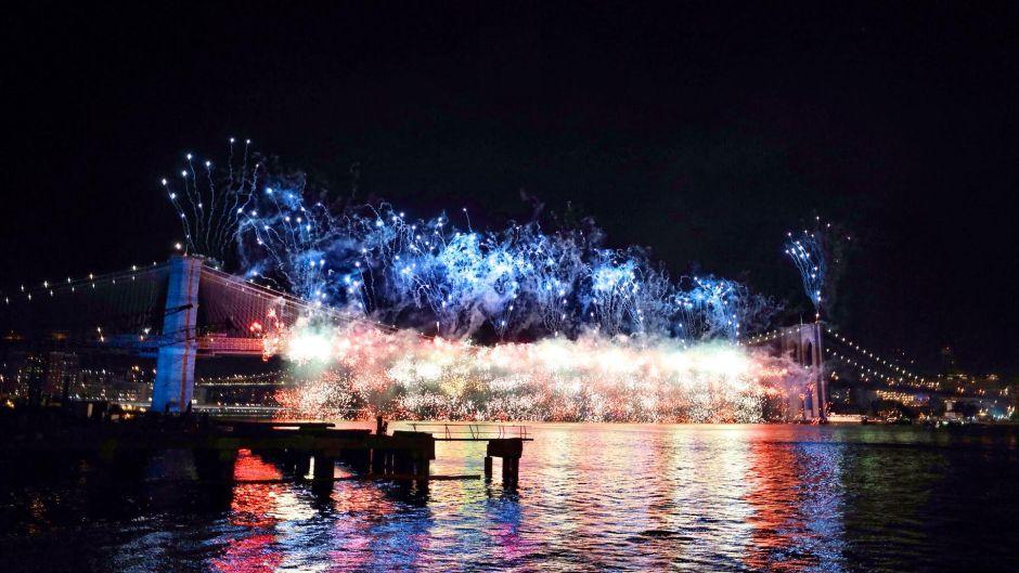 pier 16 south street seaport museum fireworks