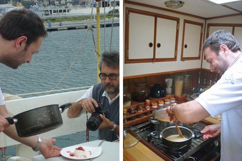 © Ugo Alciati e Giandomenico Frassi: foto del dessert - Ugo Alciati prepara il risotto nella cucina della Elmo's Fire