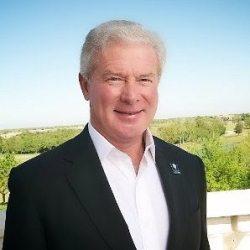 professional headshot of Dennis Kotaska, Broker-Associate