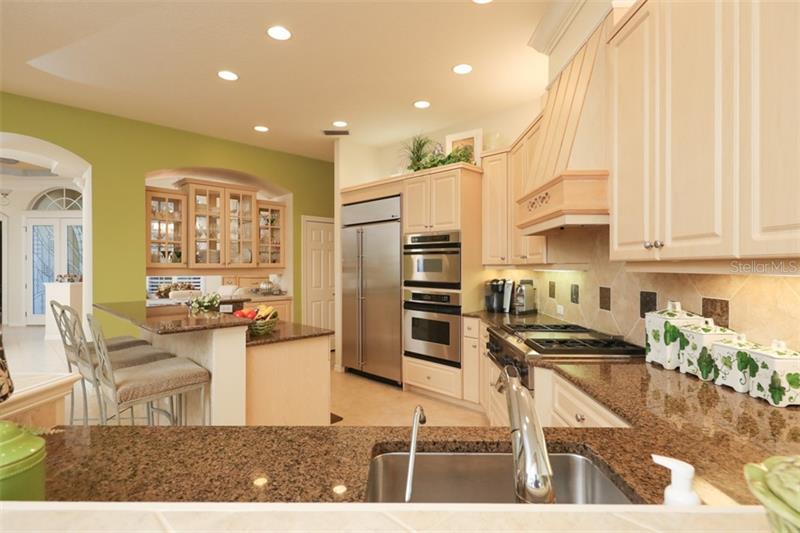 8331 Championship Court kitchen