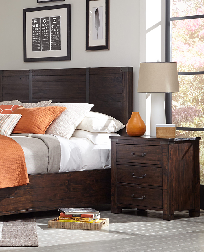love-the-relaxed-style-of-this-bedroom-furniture