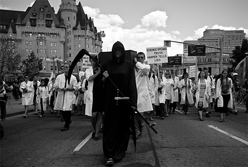 Scientists-march-on-Parliament-Hill