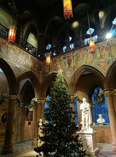 Christmas tree in the National Portrait Gallery - photo by Andrew Palmer