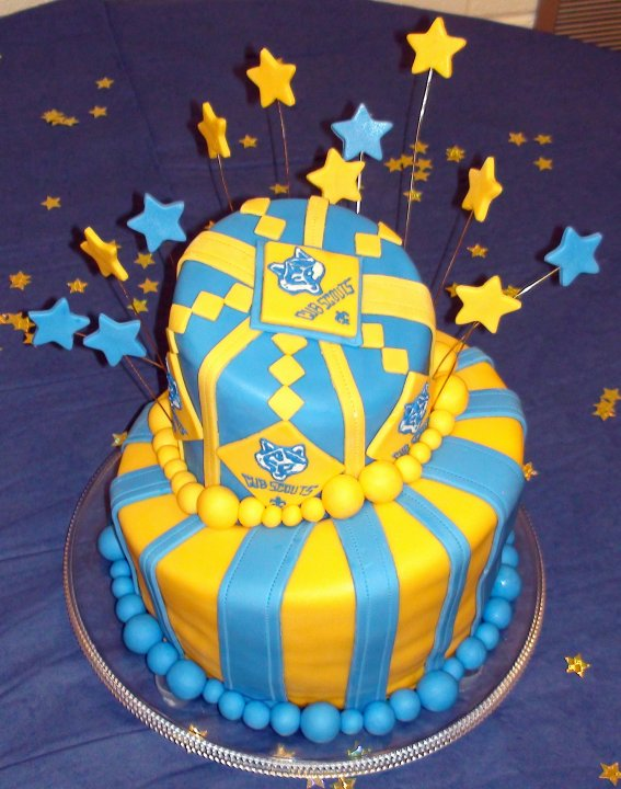 9 Cub Scout Two Tier Cake (1)
