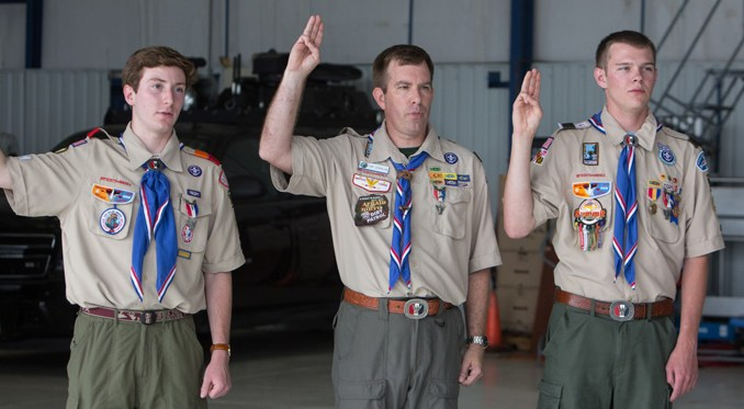 Navy Yard Shooting Hero Honored By Boy Scouts