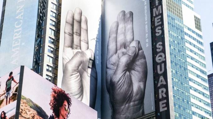 No The Hunger Games Three Finger Sign Isnt Infringement