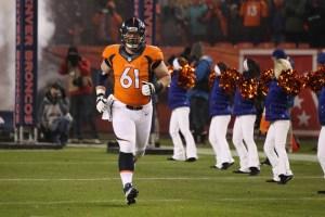 Matt-Paradis-Denver-Broncos-running