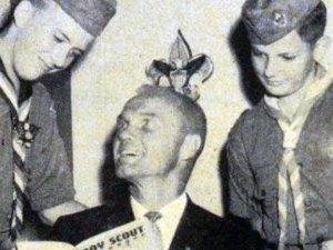 john-glenn-and-scouts