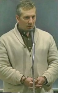 Parker在拘留所度過一夜後上庭(網絡圖片)