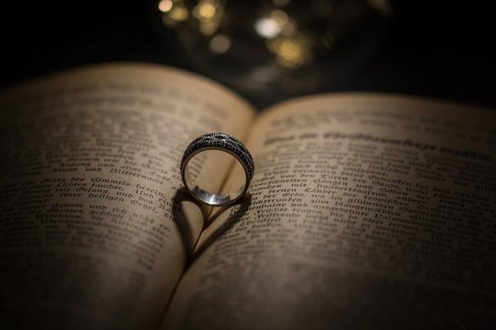 「民事結合」是解決同性婚姻爭議的出路嗎?