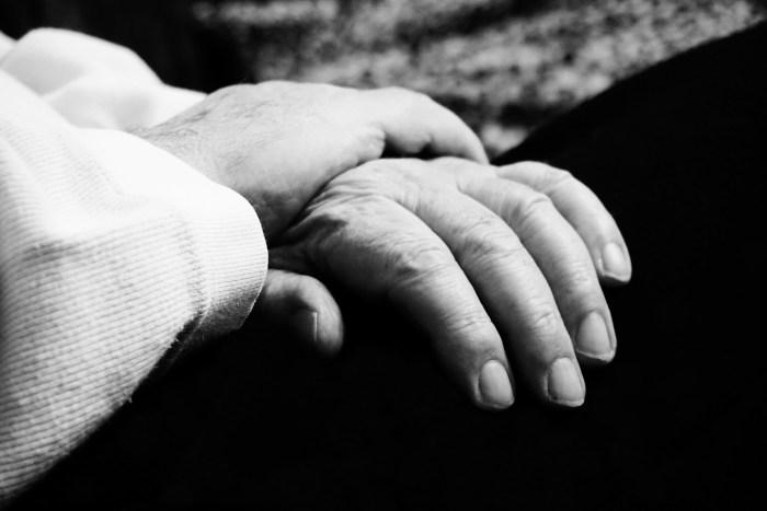 hand-3257945_1920
