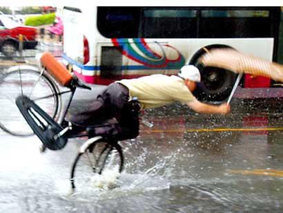 chinese_bicyclist_01.jpg