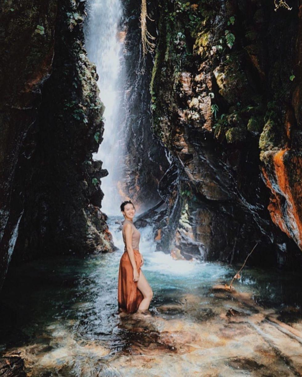 2.摩摩納爾瀑布