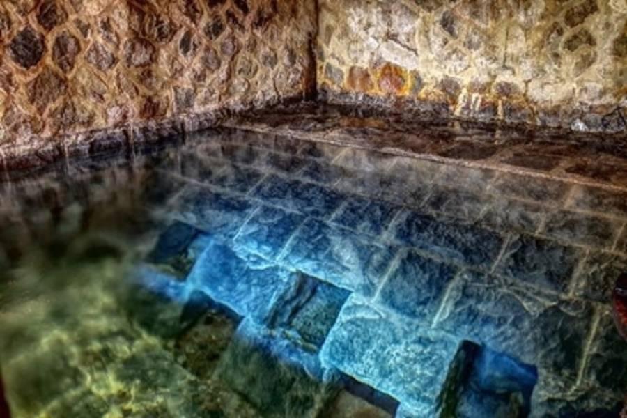 陽明山草山水道-藍寶石泉