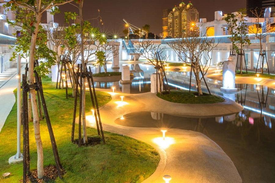 河樂廣場|東南旅遊