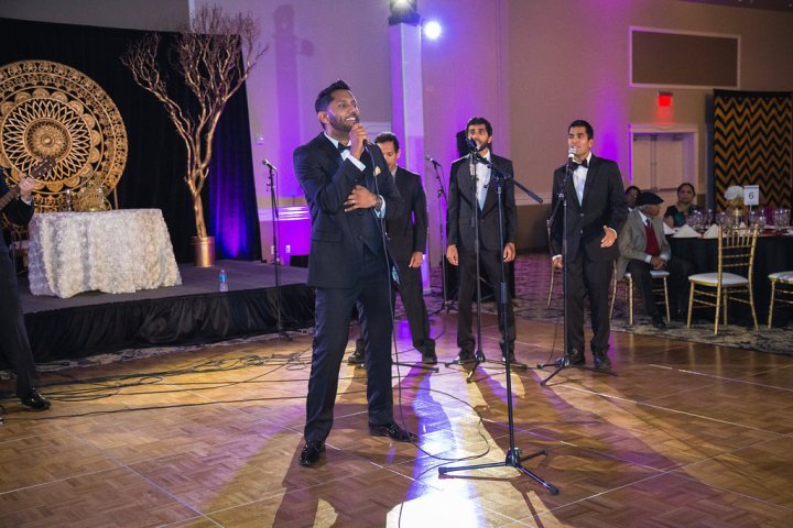 Sunthar singing with Raagapella
