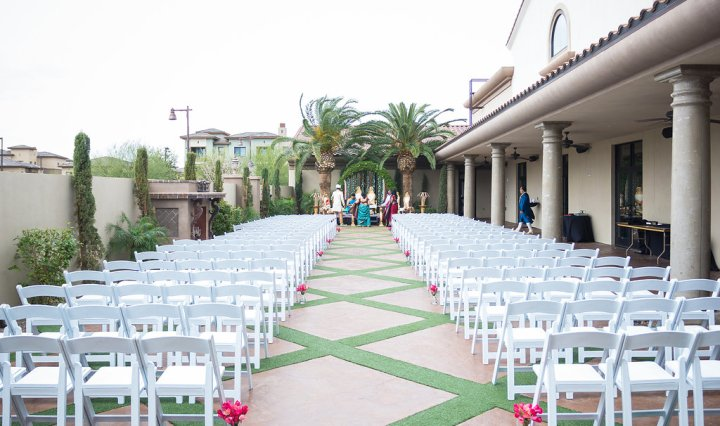 Doubletree Phoenix Gilbert Indian wedding ceremony