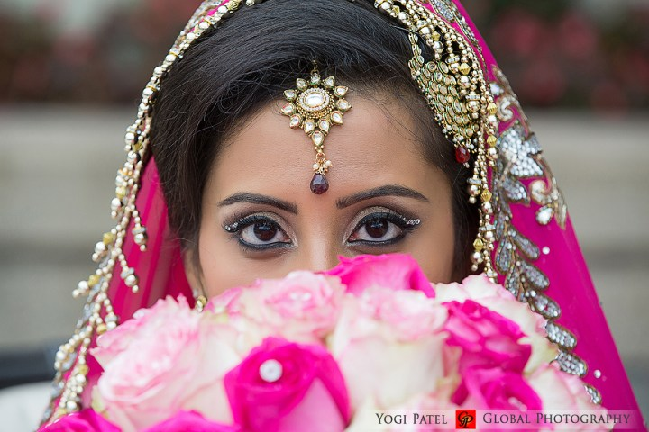 Indian bride before her Hindu, Indian, wearing ceremony.