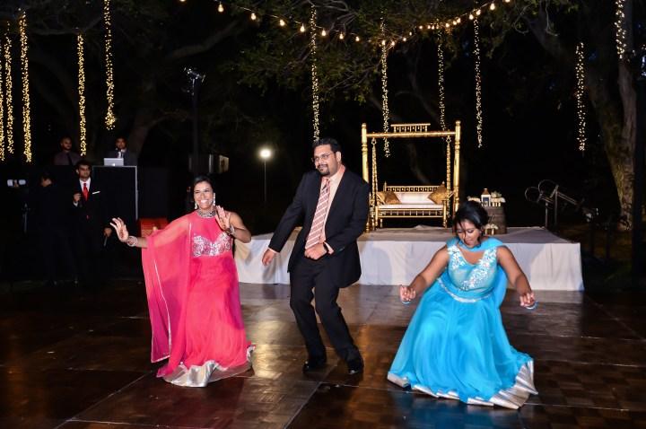 Rakhee-Amrish-gift-exchange-Indian-wedding-venue-photography-Greycard-Hindu-outdoor-dresses-bride-groom-vineyard-South-Asian-wedding-Bollywood-reception-Bhakta-Gujarati