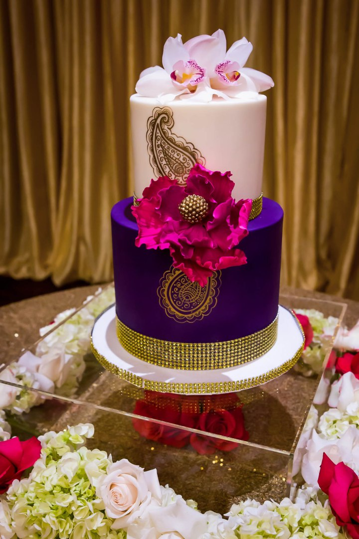 Sonia-Sunny-Indian-wedding-venue-cake