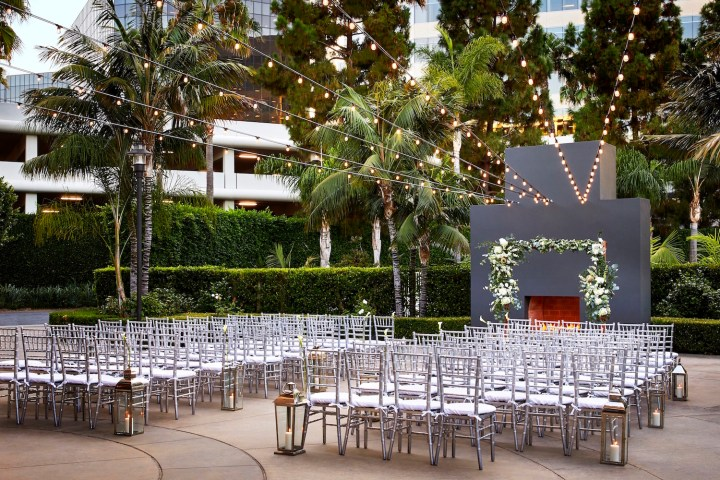 Wedding ceremony at the Irvine Marriott with chiavari chairs.