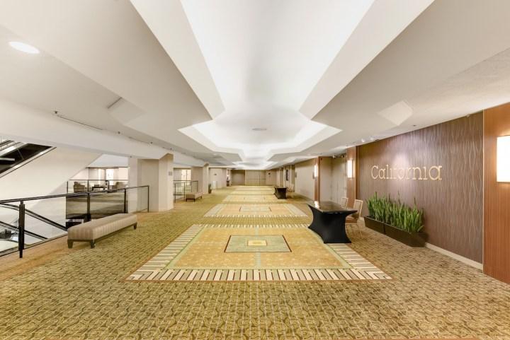 The foyer outside the California Ballroom at the Hilton Anaheim.